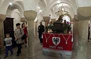 Верующие могли поклониться мощам святого Вацлава, выставленным в Базилике в Старе Болеслави (Фото: ЧТК)