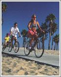 Вдоль побережья множество туристических велосипедных трасс
