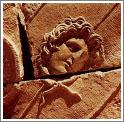 Рельеф на стене в одном из древних римских храмов