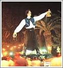 Фигура винодела на карнавале Вина в Лимассоле