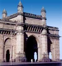 """""""Ворота в Индию"""" в Бомбее. Именно через эти ворота индийскую землю покинул последний английский солдат."""